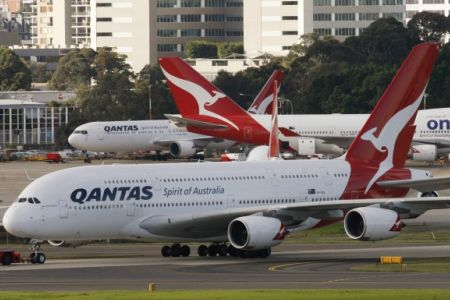 qantas-grounded-1