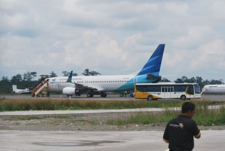 Bandara Timika Suplay Avtur Garuda Indonesia