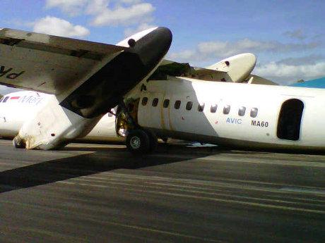 Pesawat Merpati Hard Landing di Bandara El Tari Kupang