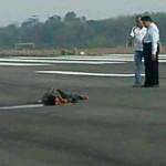 Warga Tertabrak Pesawat di Bandara Hasanuddin Makasar